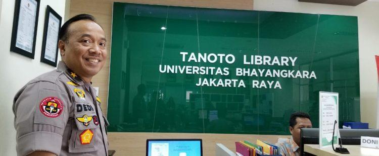 Kunjungan Karo Penmas, Divisi Humas Polri Brigadir Jenderal Dr. Dedi Prasetyo ke Perpustakaan Ubhara Jaya